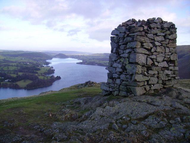 Obelisk, Hallin Fell - geograph.org.uk - 651326