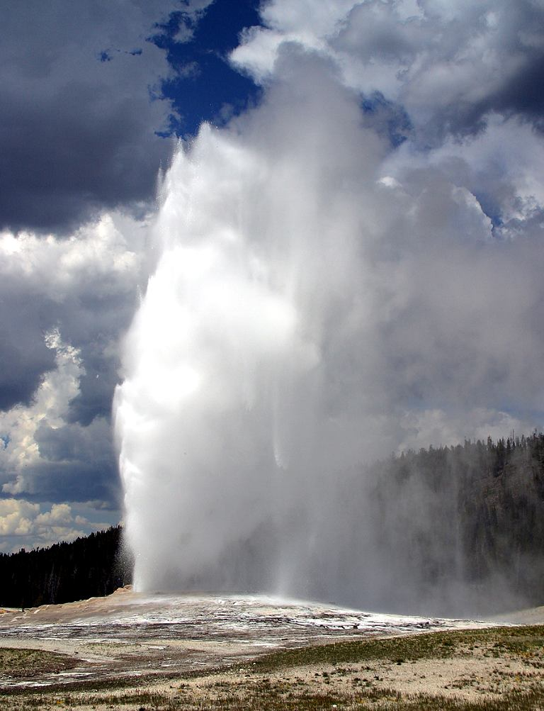 Old Faithful Geyser in eruption.