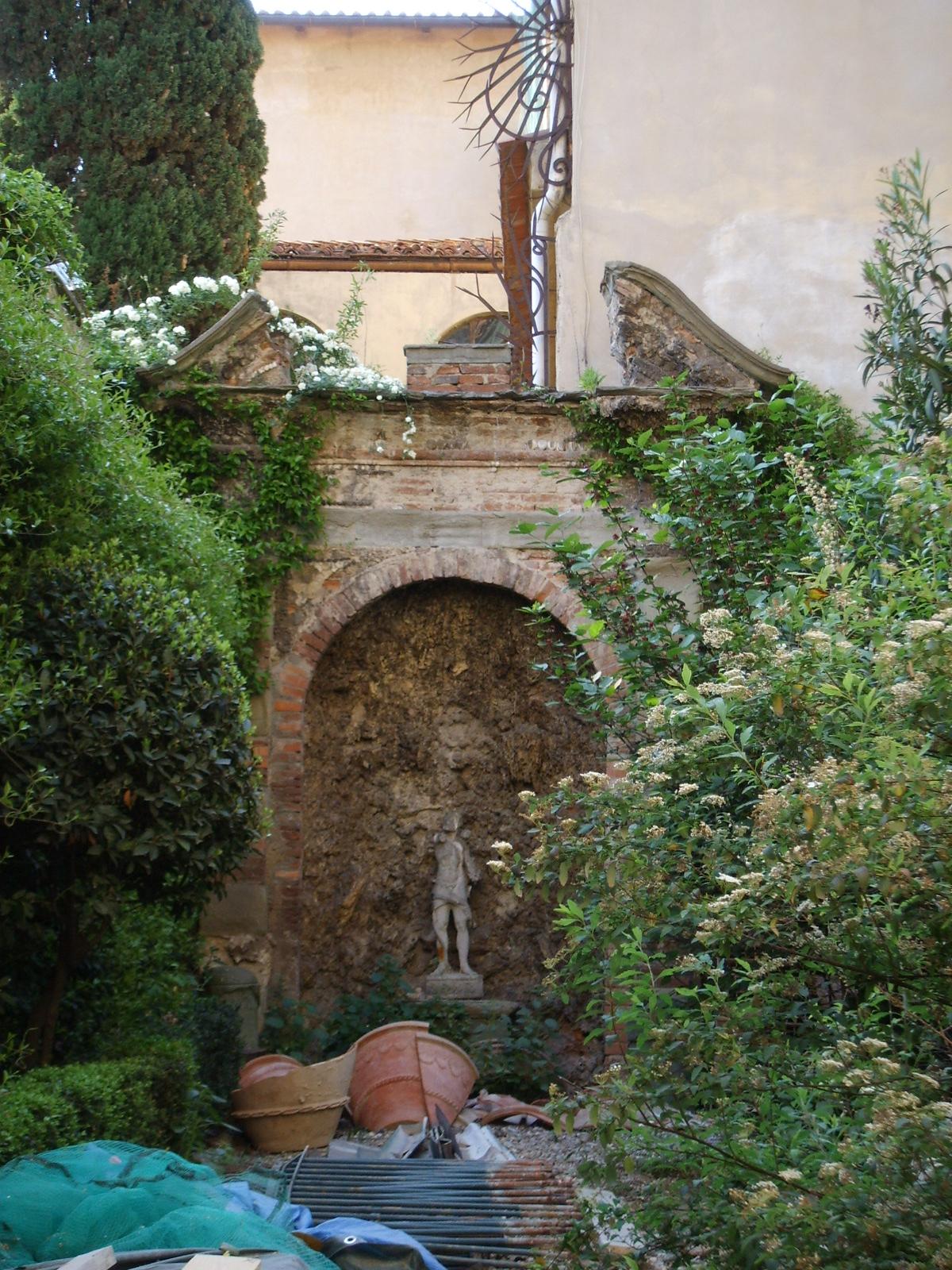 Palazzo_Roffia_giardino_01.JPG
