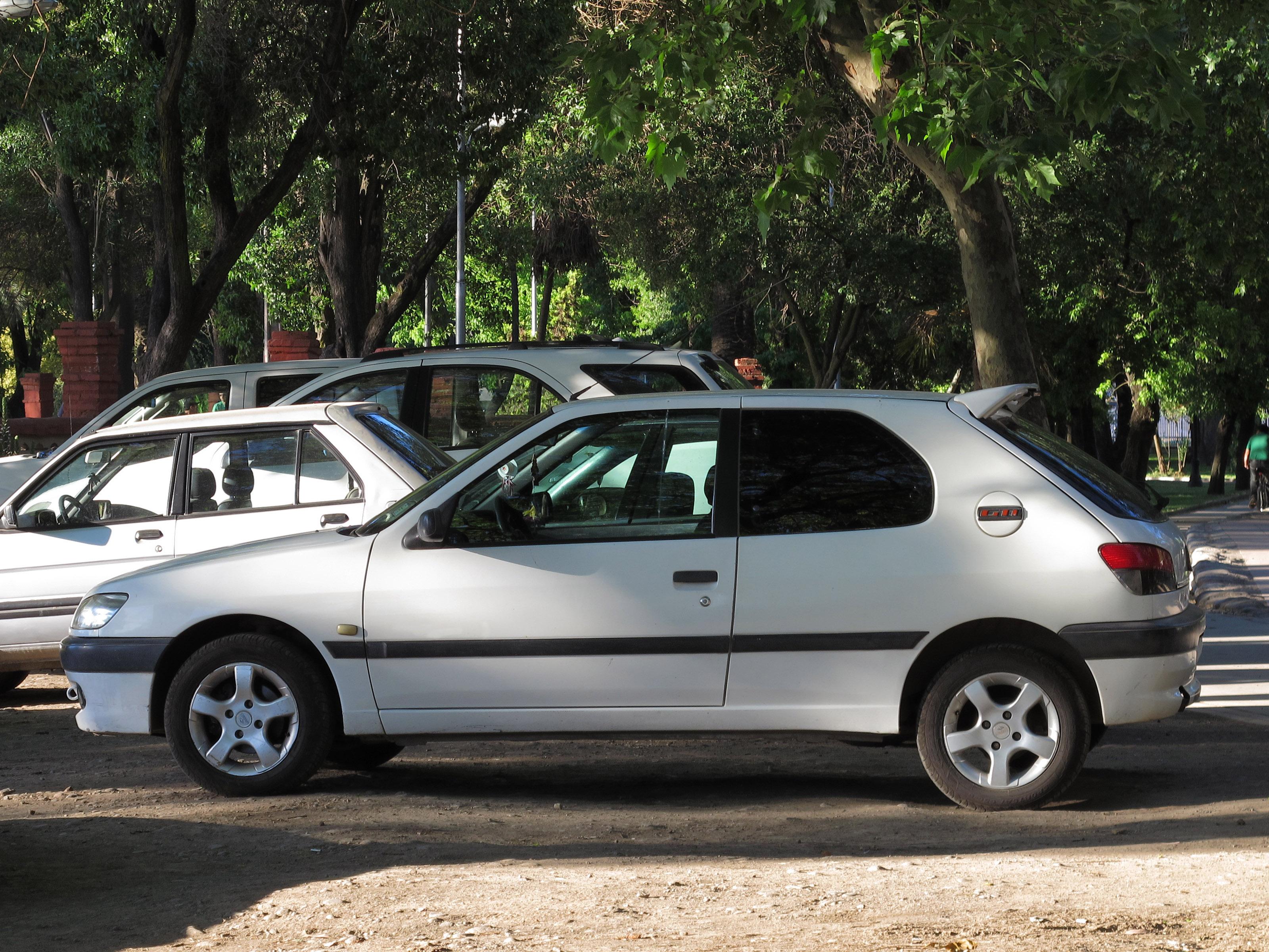 File:Peugeot 306 GTi 1998 (15527787230).jpg