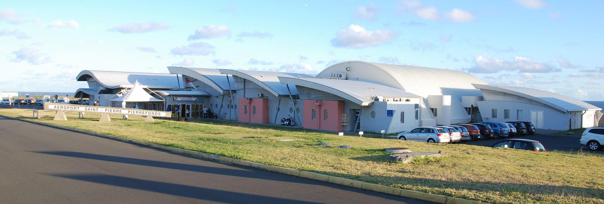 فرودگاه پییرفوندز