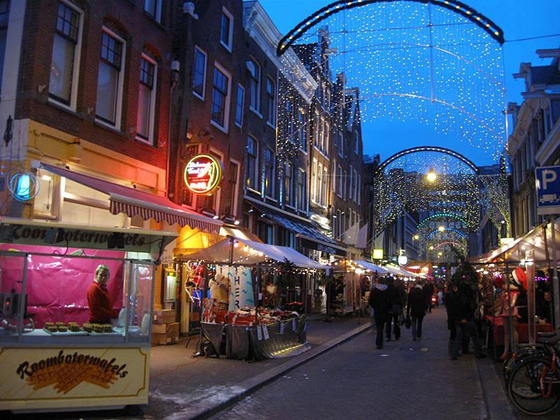 File:Pinkchristmas-amsterdam2009.jpg