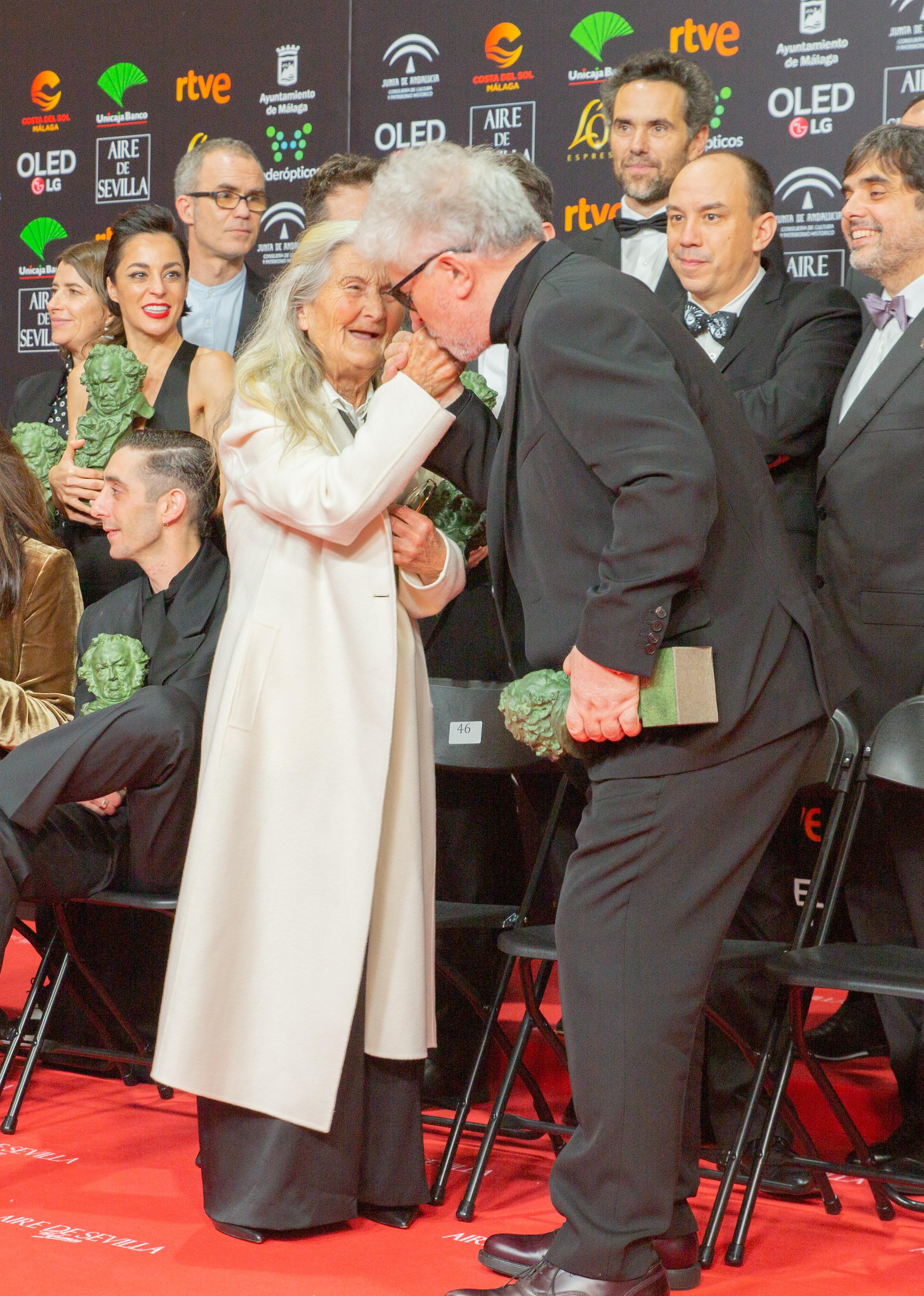 File:Premios Goya 2020 - Benedicta Sanchez y Almodovar.jpg - Wikimedia Commons