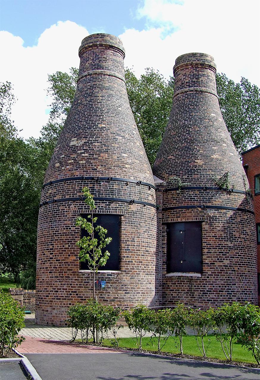 Restored bottle kilns, Stoke-on-Trent - geograph.org.uk - 1578523.jpg