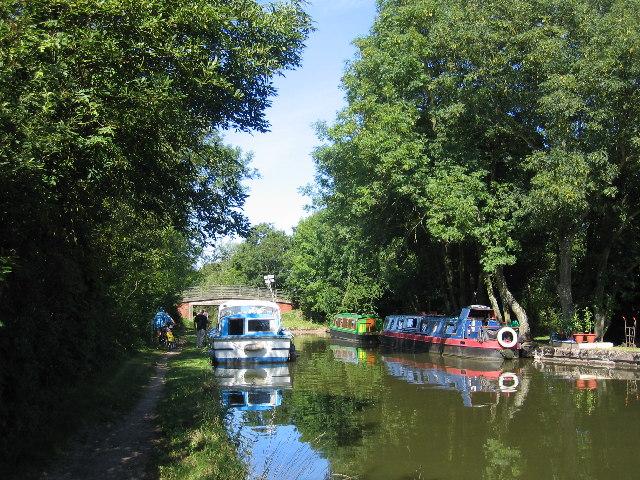 Rising Bridge, Grand Union Canal - geograph.org.uk - 41008