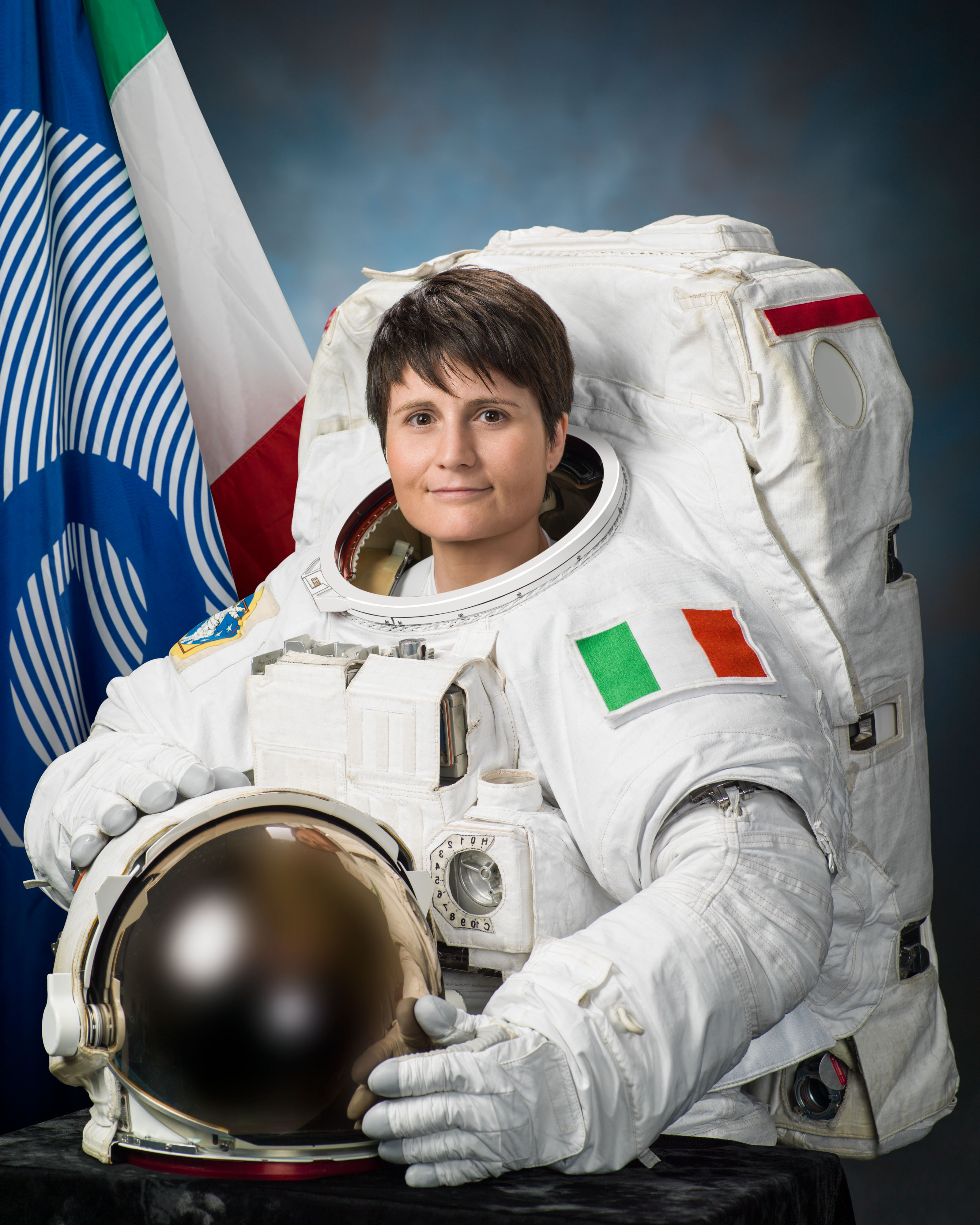 astronaut dating site)