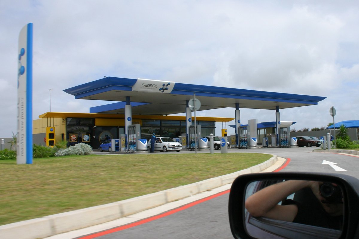 File Sasol Petrol Station Jpg Wikimedia Commons