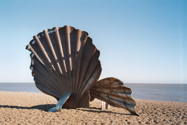 Scallop sculpture, Aldeburgh - geograph.org.uk - 218938