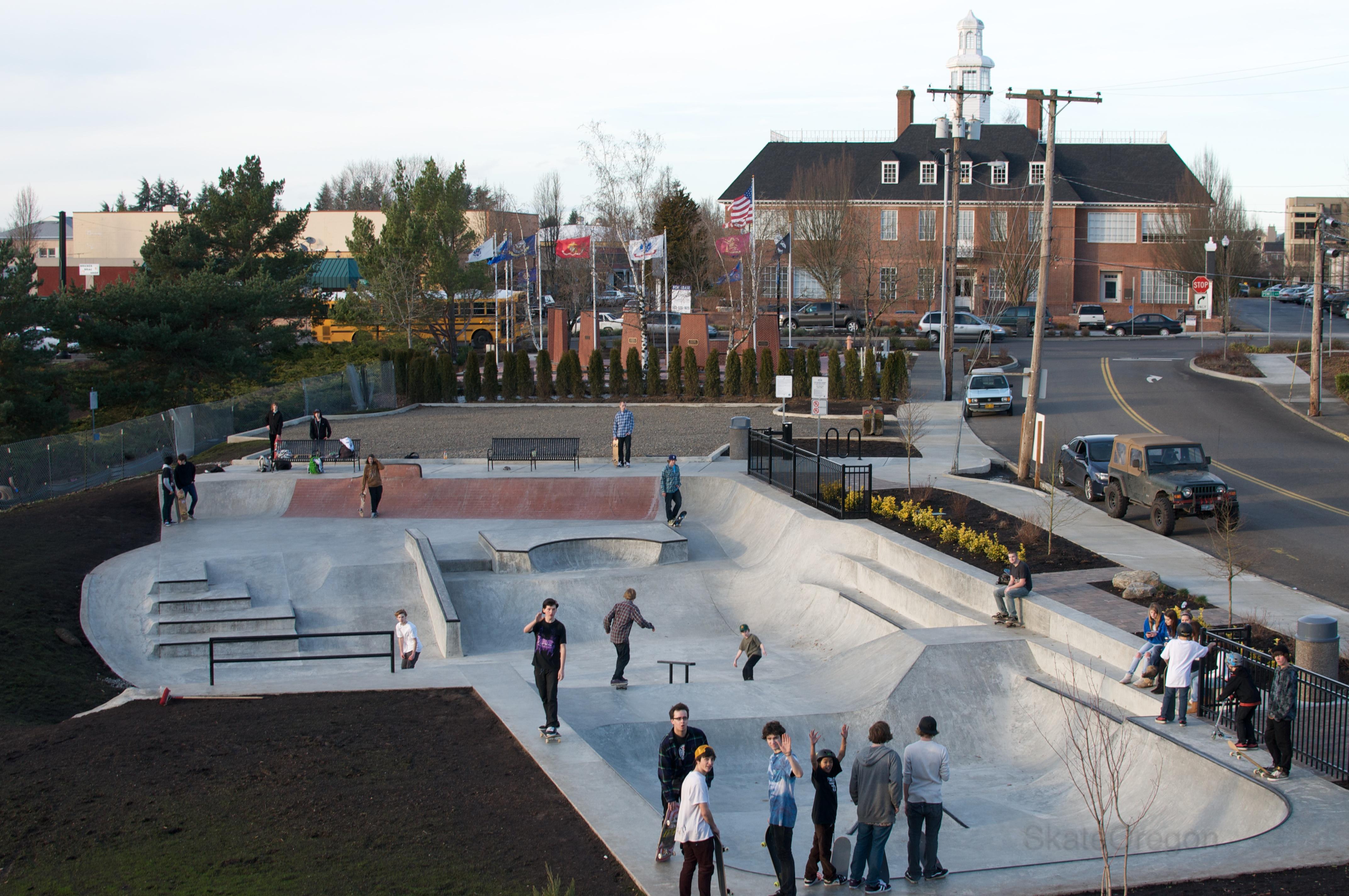 File:SkatePark in Main City Park, Gresham, Oregon.jpg ...