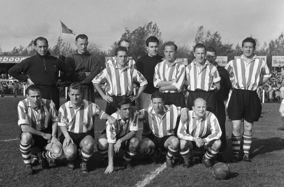 Файл:Sparta elftal (15-11-1952).jpg