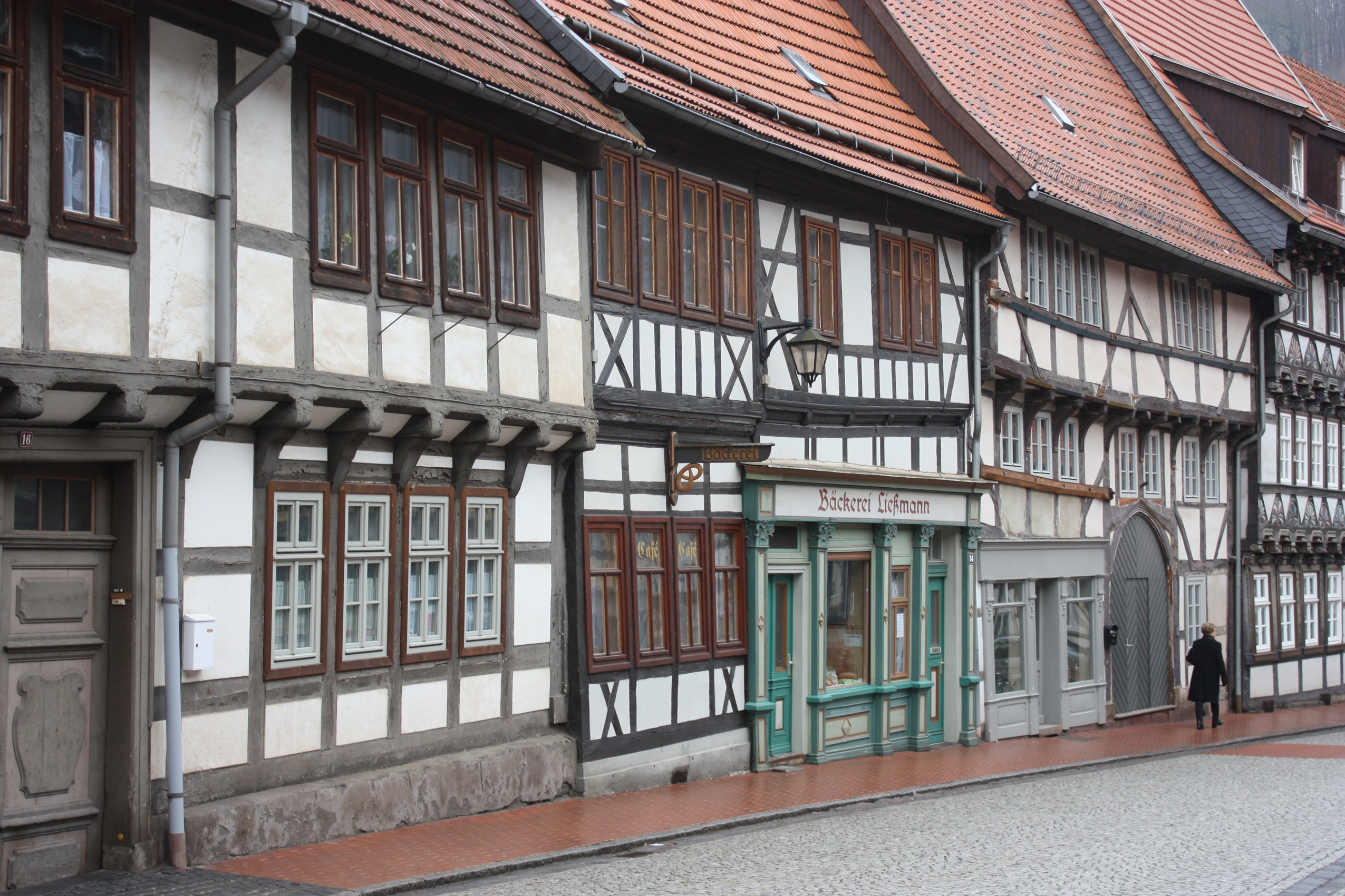 Datei:Stolberg (Harz), die Häuser Am Markt 12, 14 und 16.jpg – Wikipedia