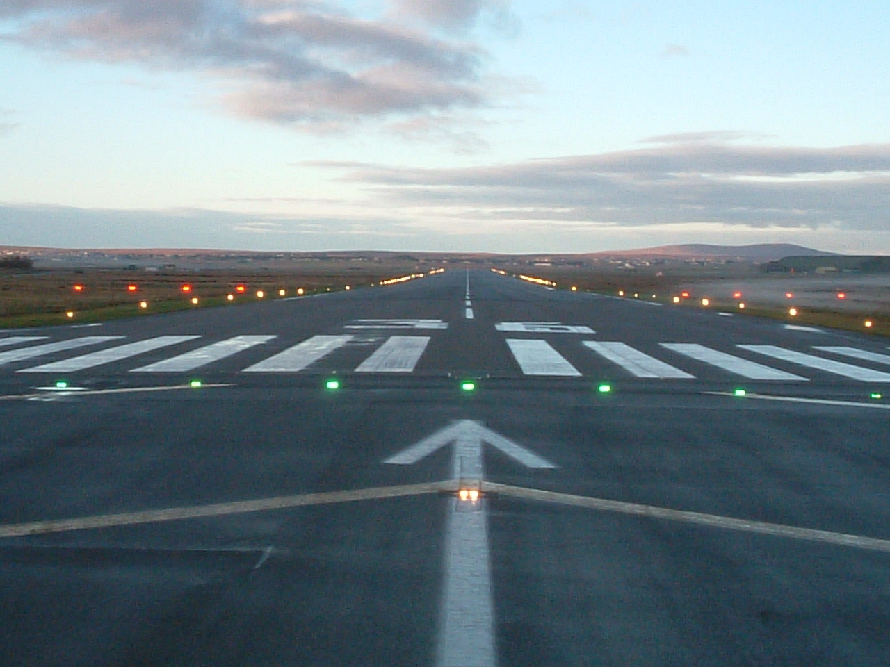 File:Stornoway Airport Runway.jpg - Wikipedia, the free encyclopedia