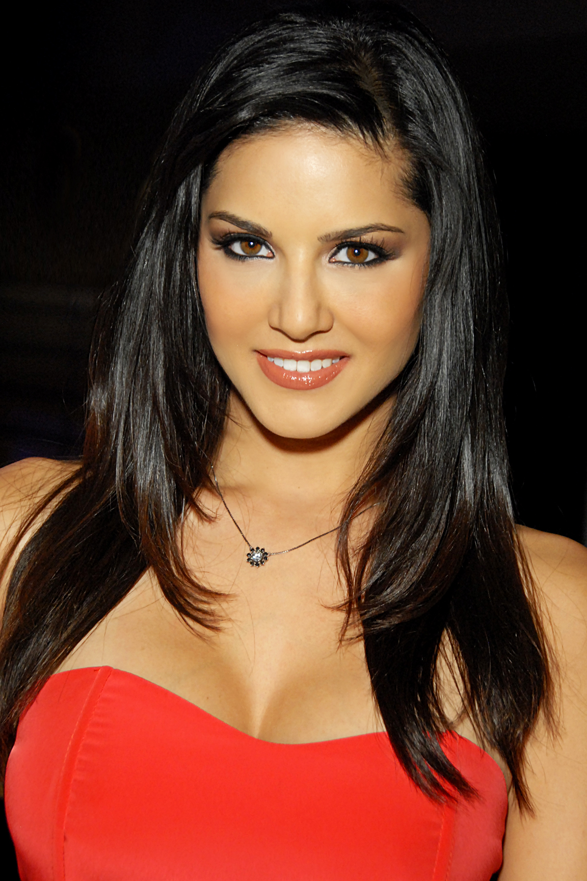 Description Sunny Leone 2012.jpg