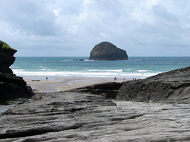 File:The Beach at Trebarwith Strand - geograph.org.uk - 487105.jpg