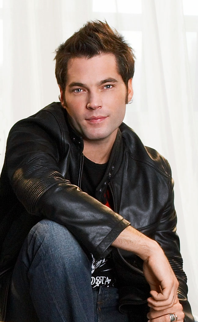 tim rozon beard
