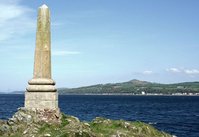 Tomont End Monument, Isle of Cumbrae - geograph.org.uk - 426827