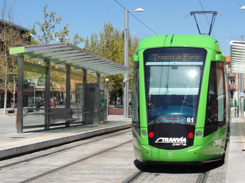 ファイル:Tranvía de Parla (719...