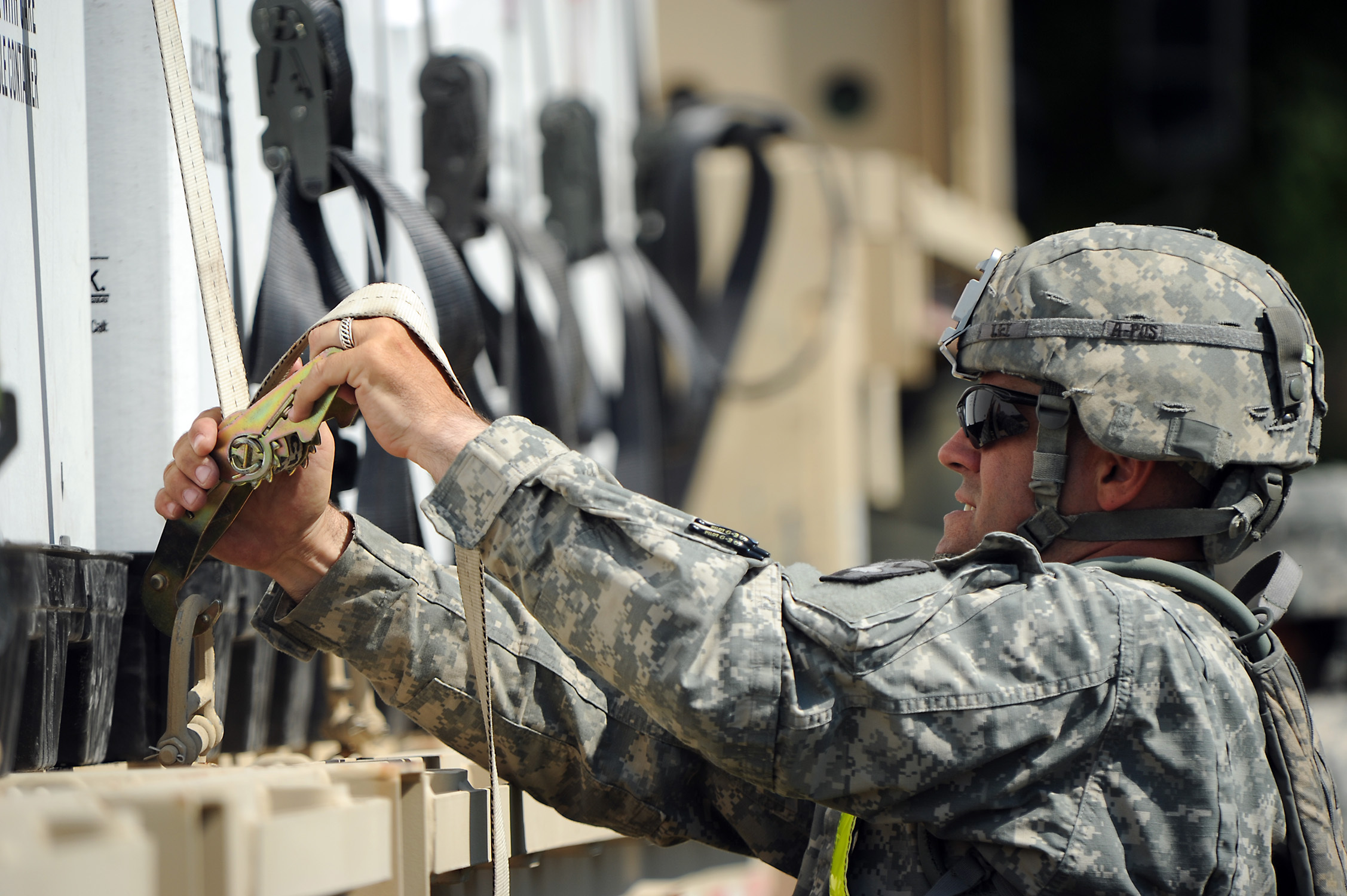 File:U.S. Army Sgt. Matthew Lei, assigned to the 565th ...
