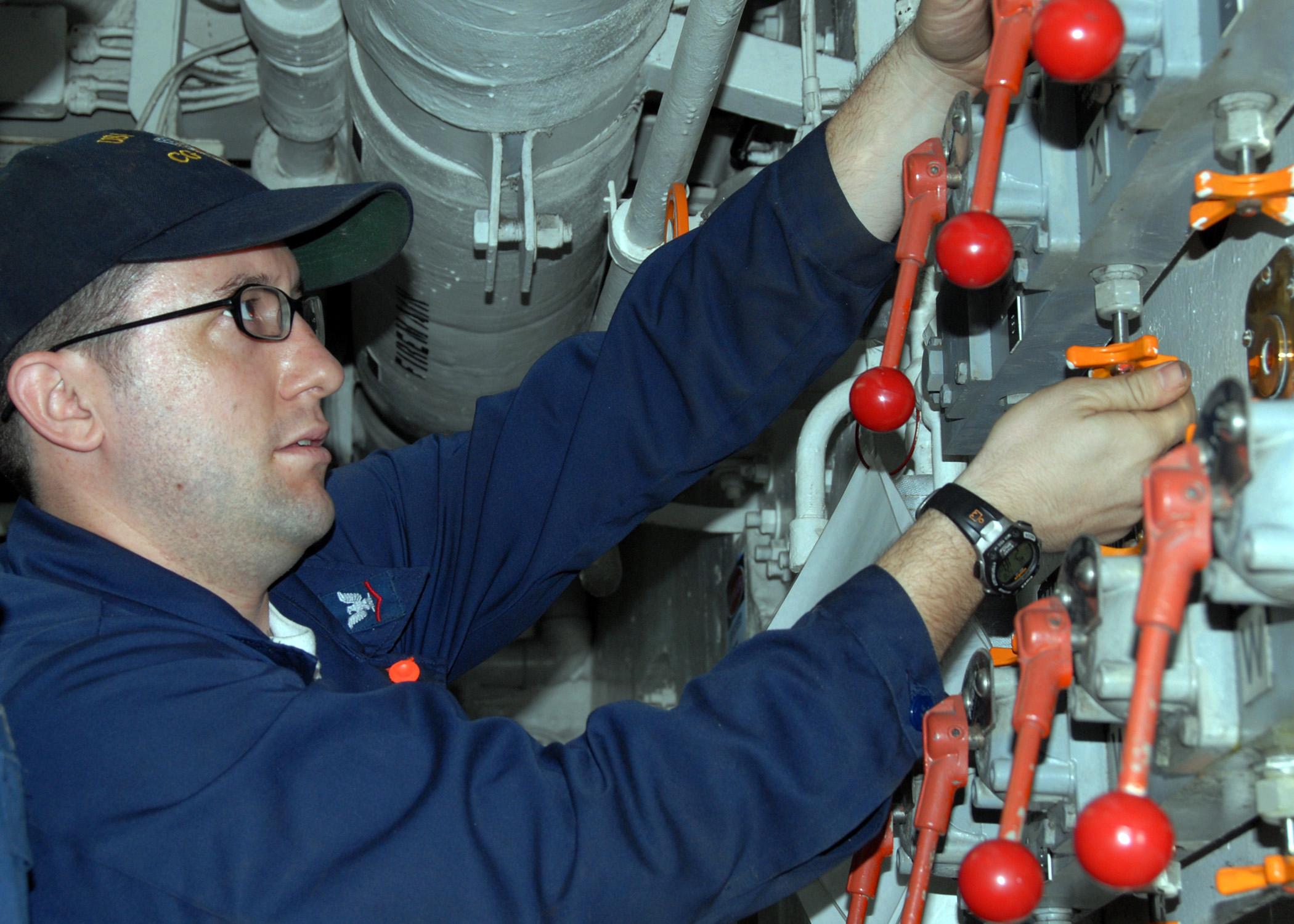 File US Navy N 3666S 022 Gas Turbine System Technician 3rd
