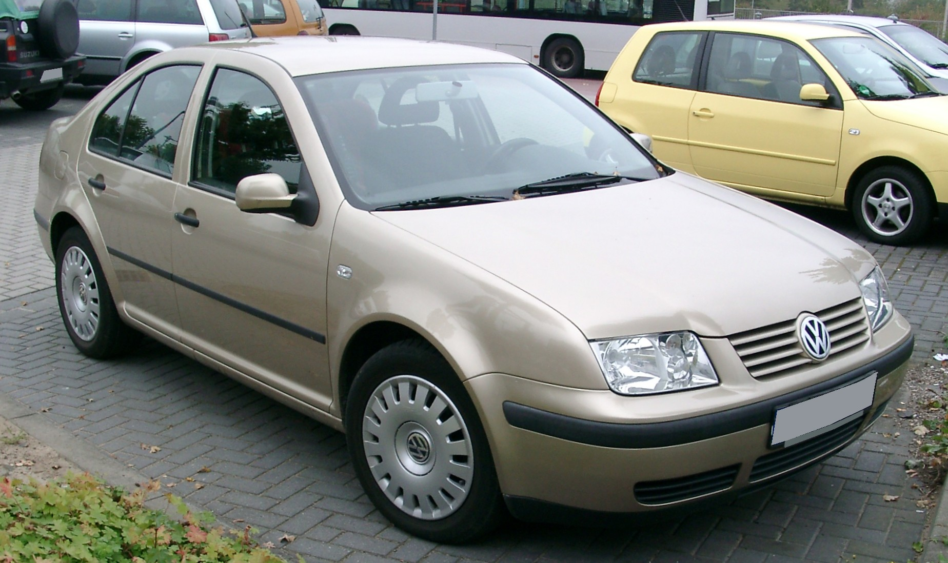 Description VW Bora front 20071012.jpg