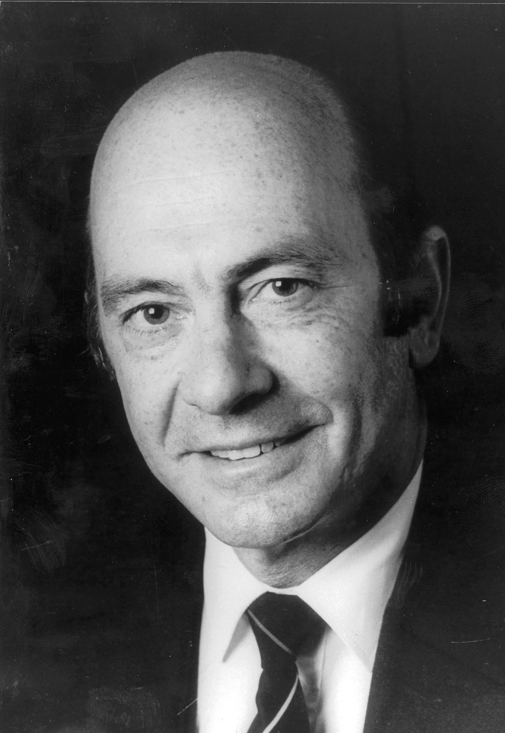 Manfred Wörner, 1982
