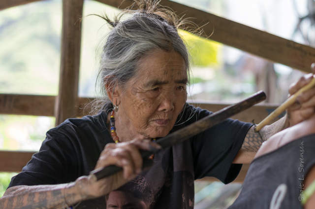 File:Whang-od tattooing.jpg