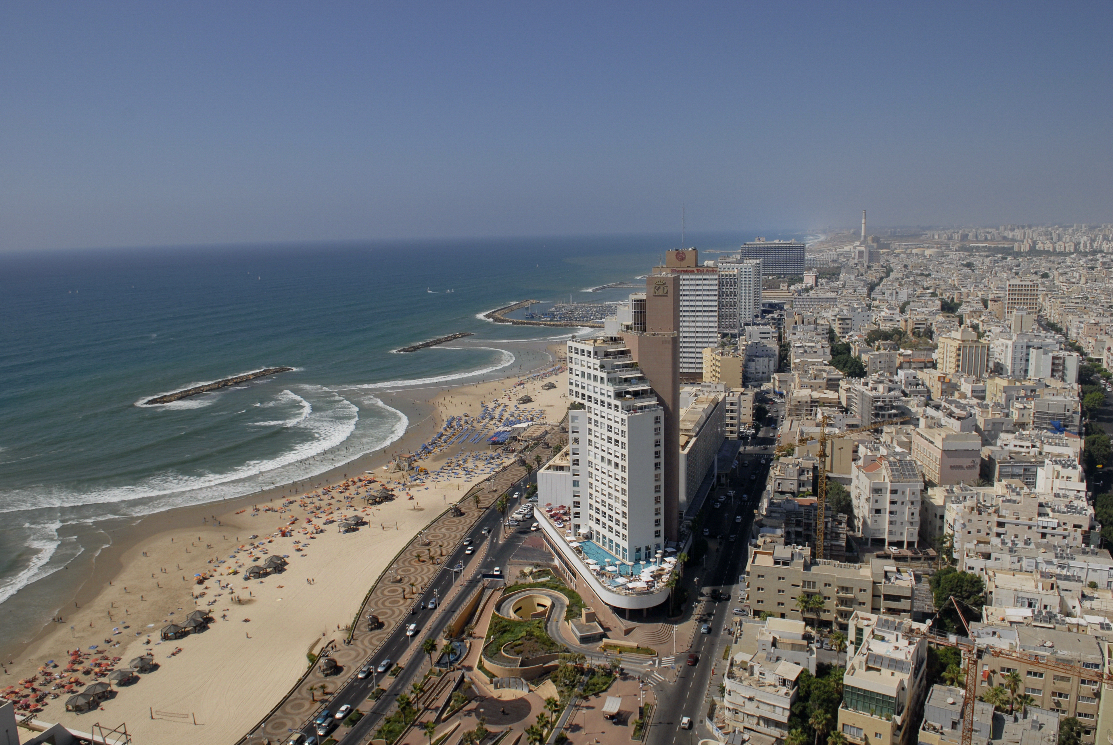 File:080718 Tel Aviv (06).jpg - Wikimedia Commons