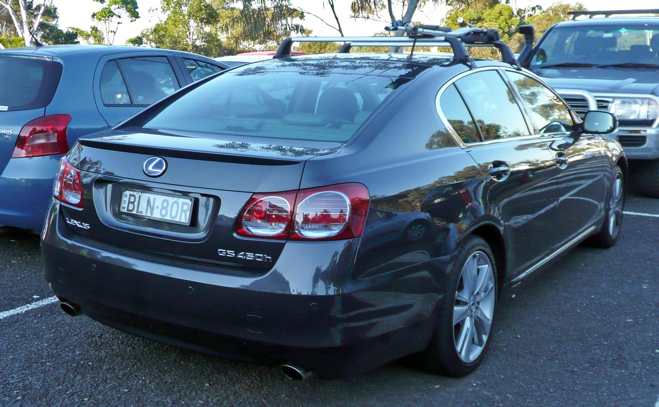 https://upload.wikimedia.org/wikipedia/commons/1/1c/2009-2010_Lexus_GS_450h_%28GWS191R%29_sedan_02.jpg