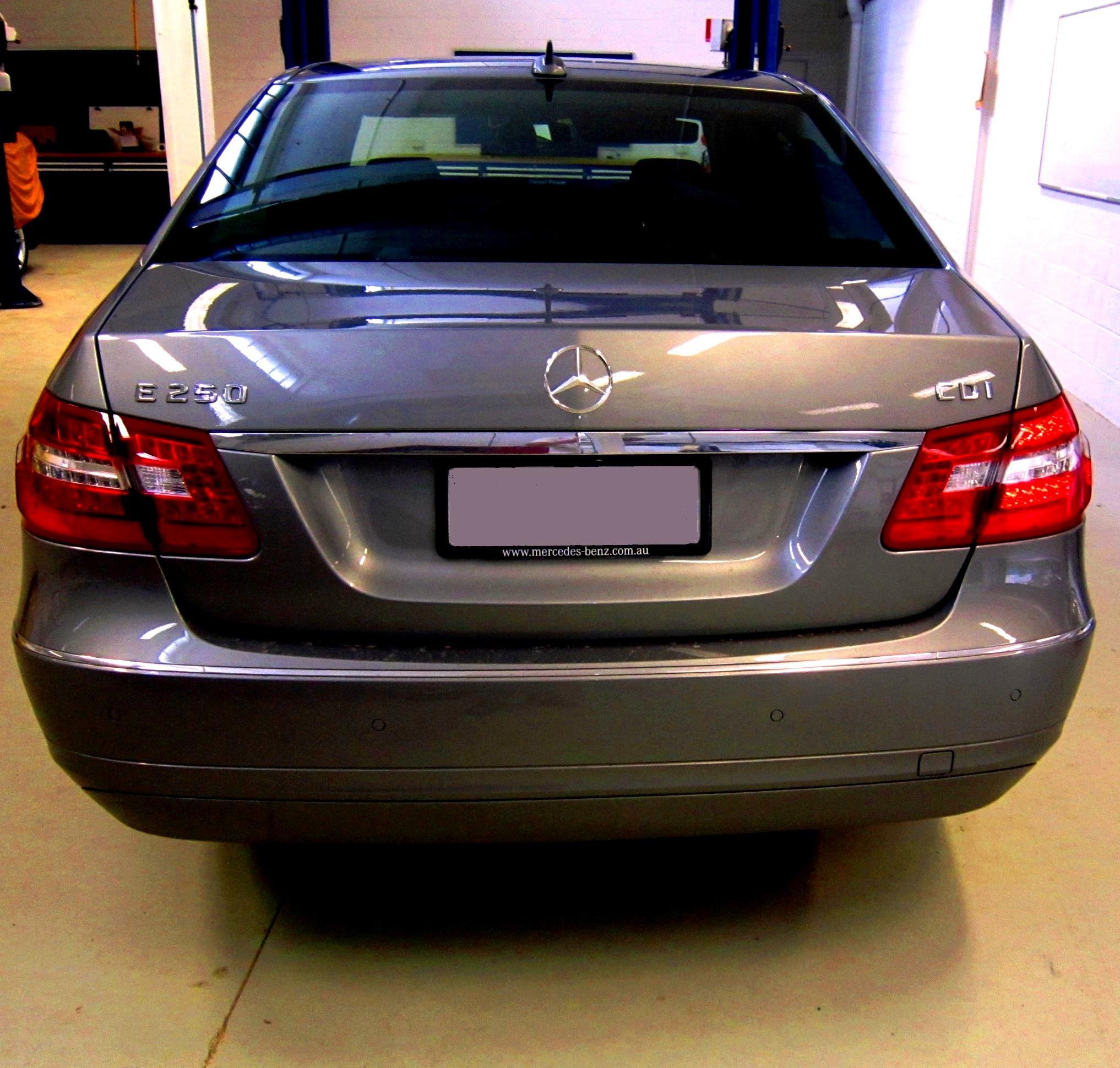 2011 Mercedes Benz E350 Bluetec: File:2010 Mercedes-Benz E 250 CDI (W 212) BlueEFFICIENCY