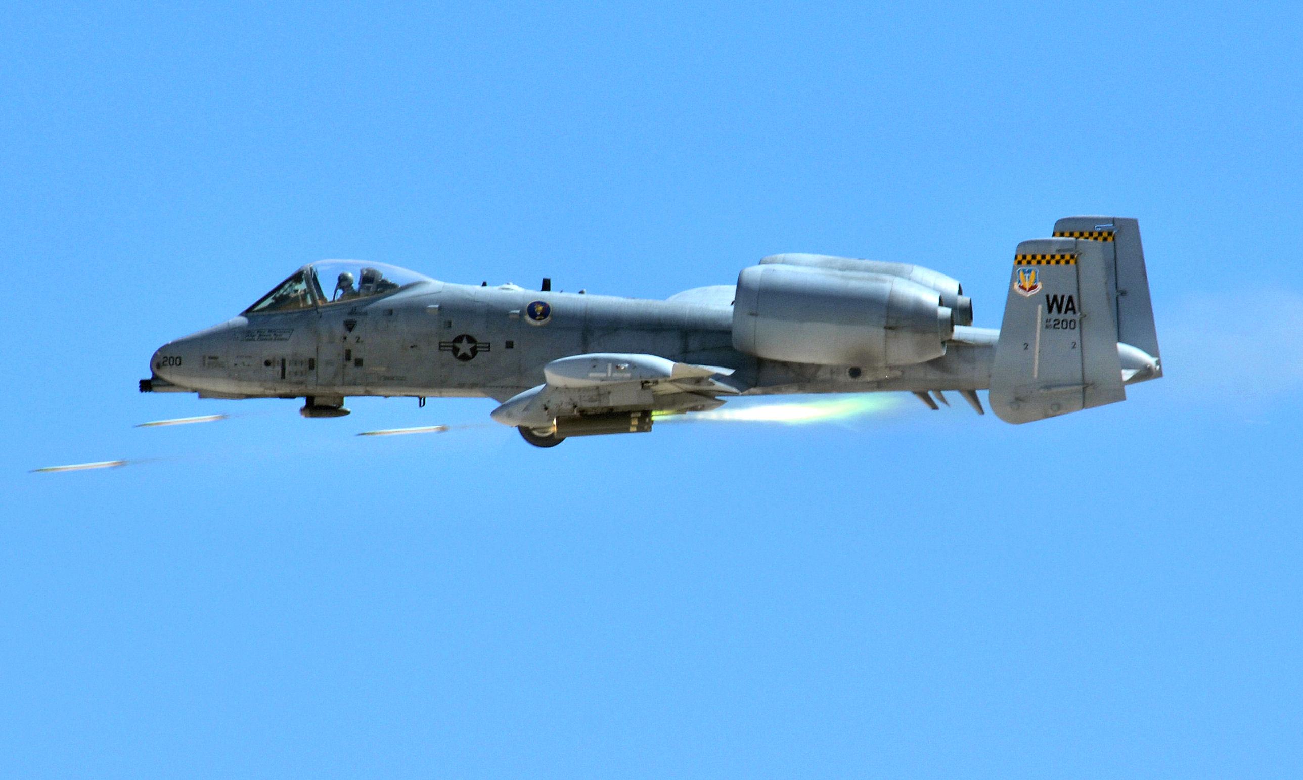 File:66th Weapons Squadron Fairchild Republic A-10A Thunderbolt II 80 ...