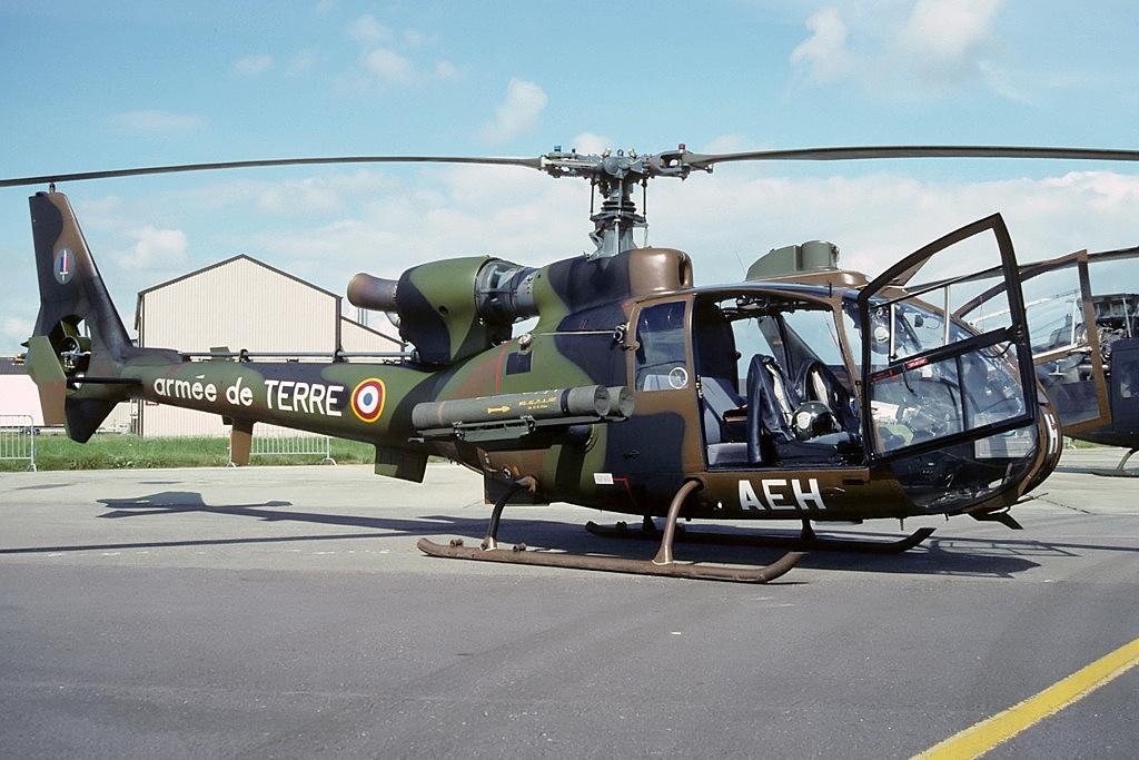 File:Aerospatiale SA-342M Gazelle, France - Army AN1959712 ...
