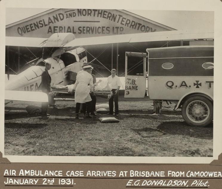 Air_ambulance_QANTAS_Brisbane_1931.jpg