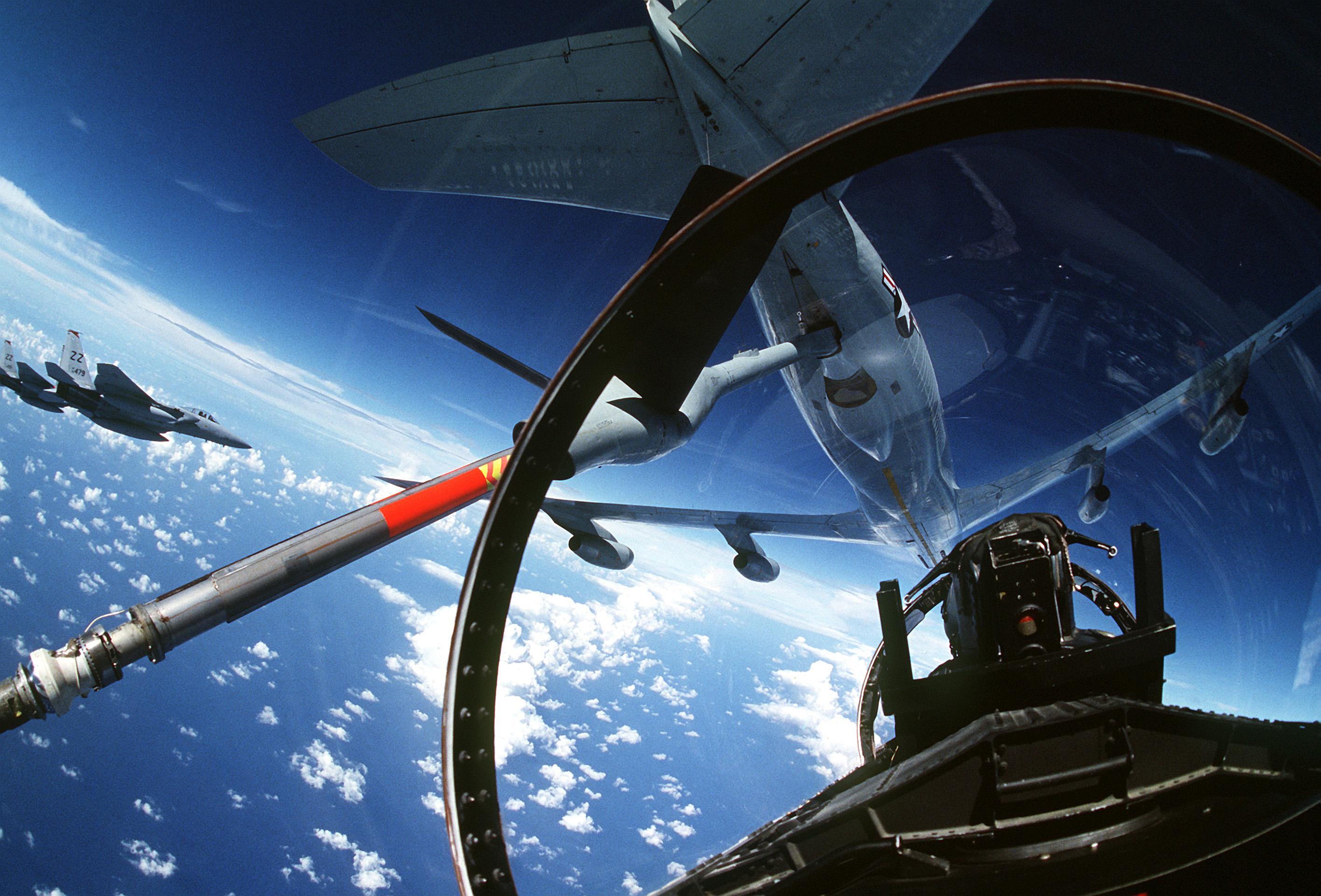 ... aircraft_pr... F 15 Cockpit