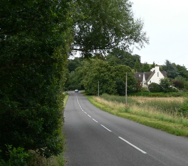 File:Approaching Croft Hill - geograph.org.uk - 511641.jpg