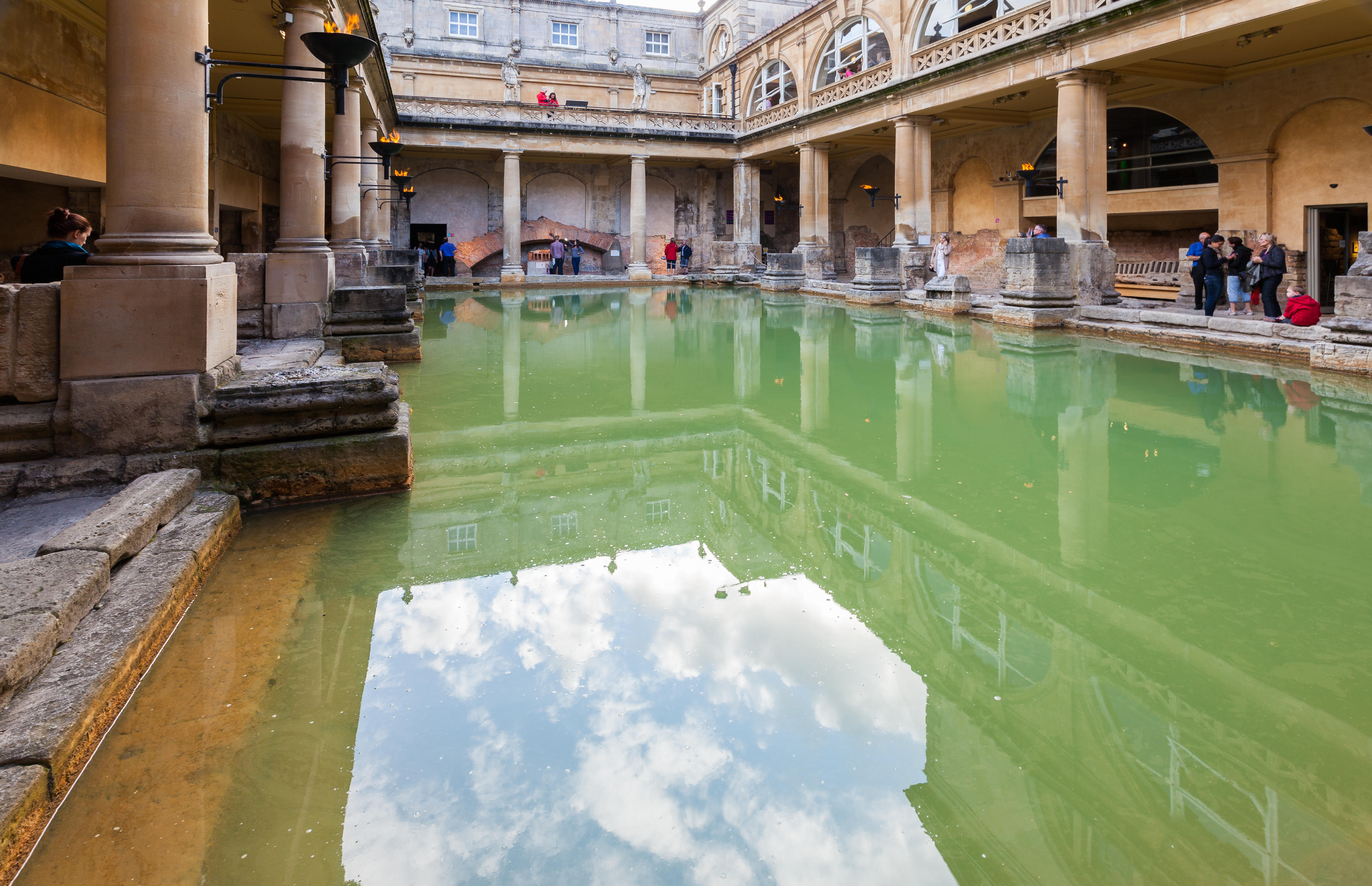 Ficheiro:Baños Romanos, Bath, Inglaterra, 2014-08-12, DD ...