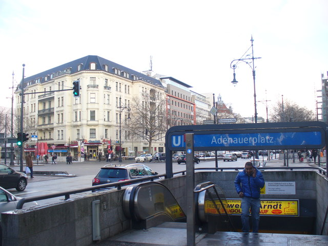 Berlin - Adenauerplatz (Adenauer Square) - geo.hlipp.de - 32882.jpg