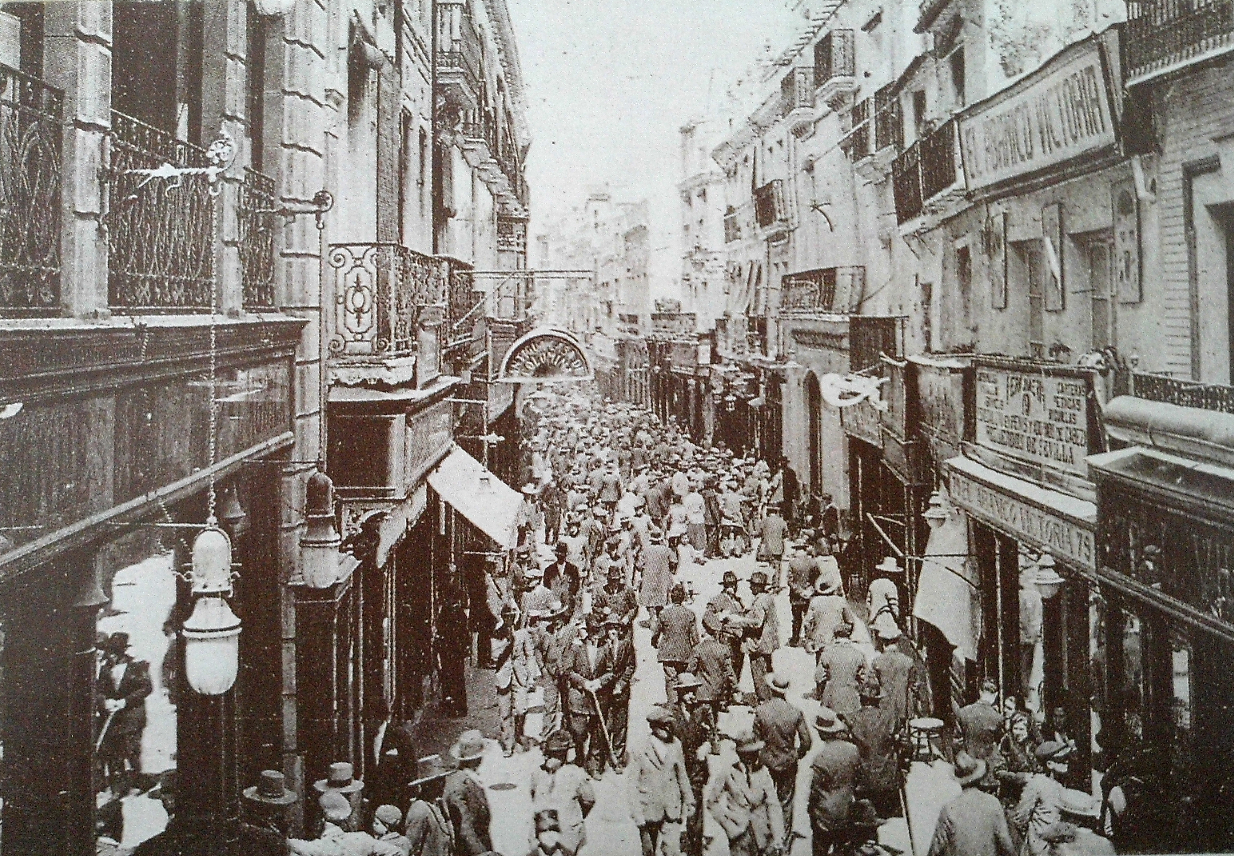 Archivo Calle Sierpes Sevilla 01 Jpg Wikipedia La