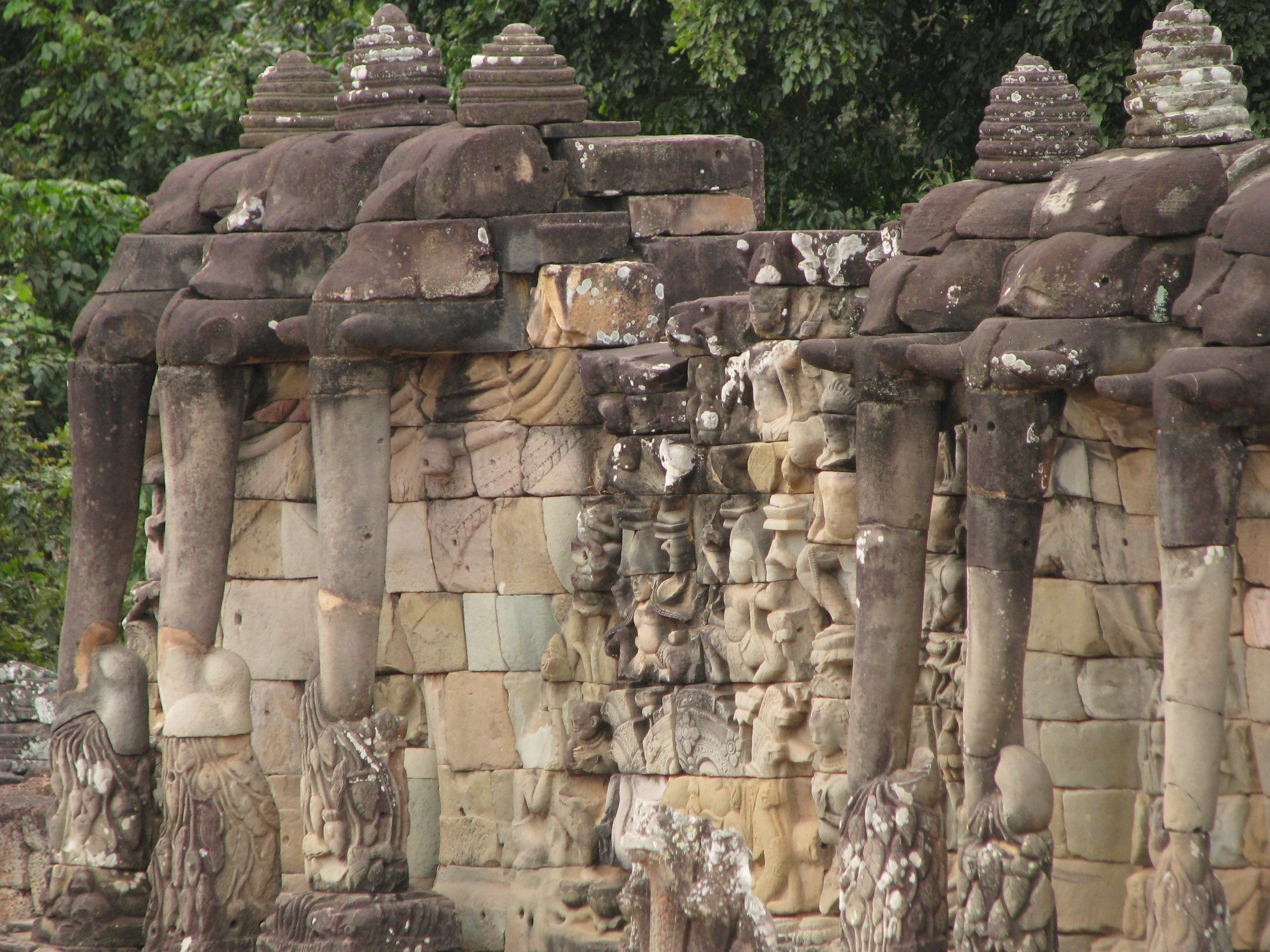 File cambodia 08 110 angkor thom terrace of the for Terrace of the elephants