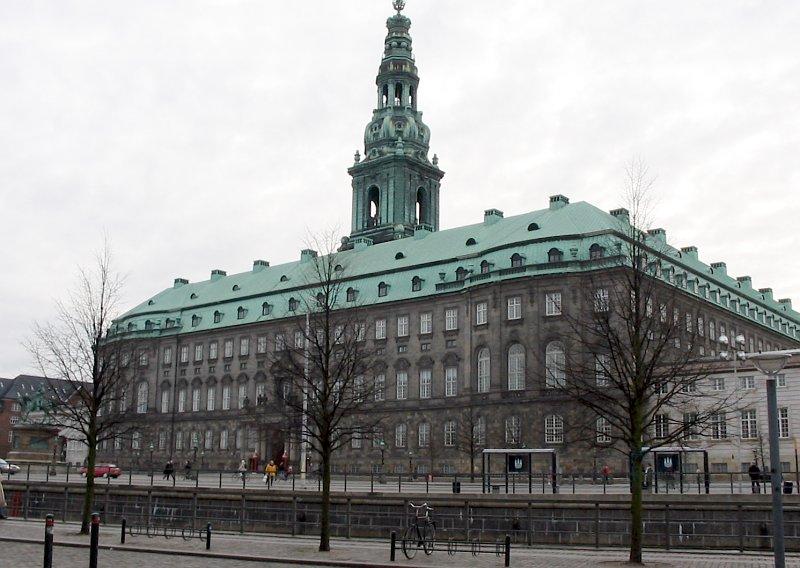 fashion styles great deals newest Ficheiro:Christiansborg 2004.jpg – Wikipédia, a enciclopédia livre