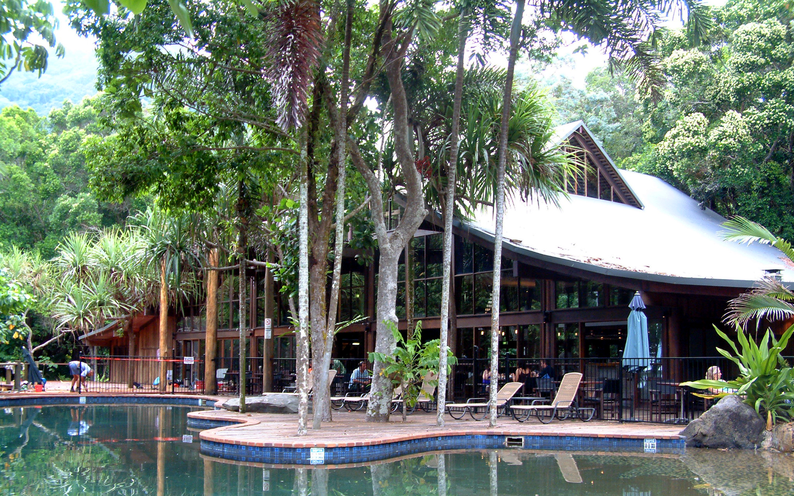 File:Coconut Beach Resort 20051024.png - Wikimedia Commons