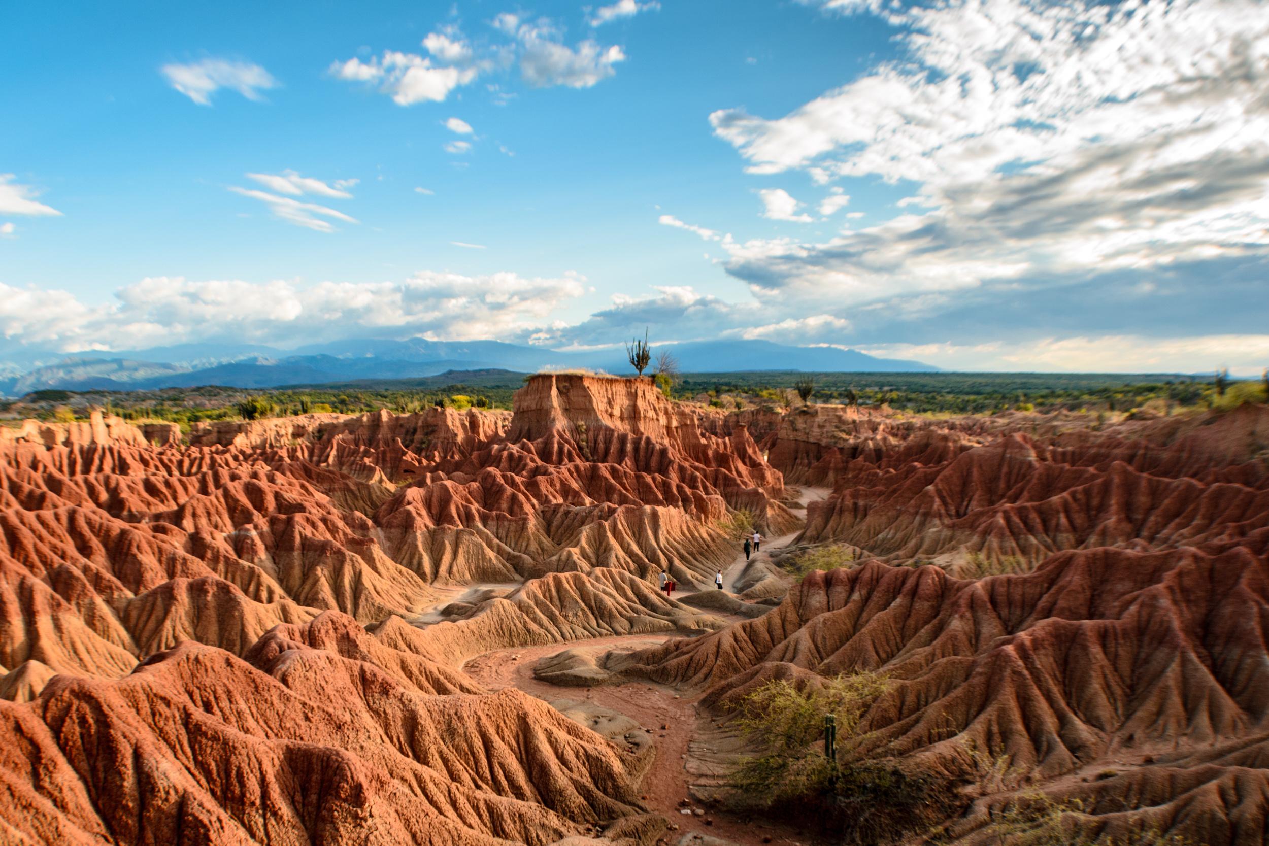 Archivo:Desierto de La Tatacoa.jpg - Wikipedia, la enciclopedia libre