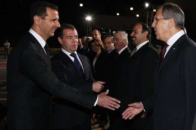 Dmitry Medvedev arriving in Damascus in May 2010