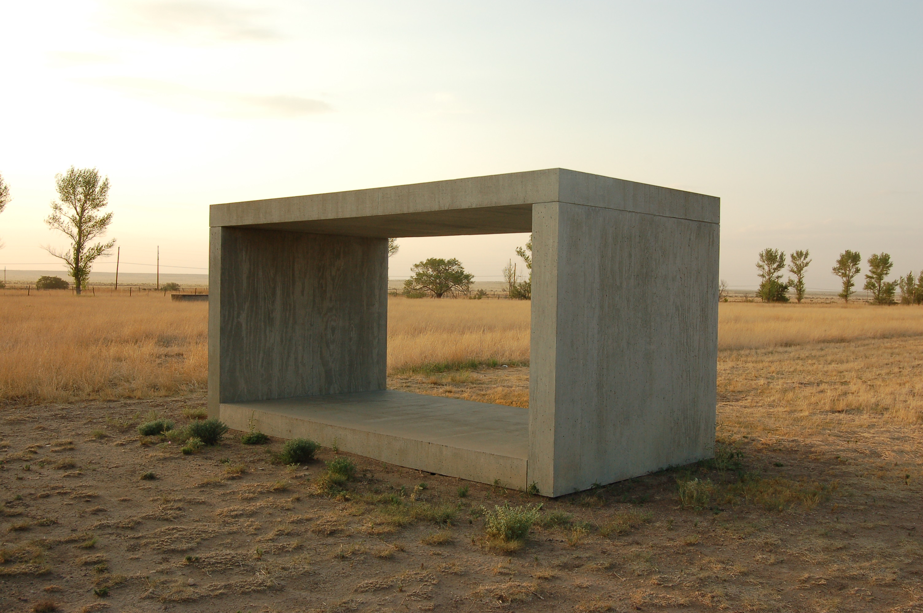 File donald judd concrete wikimedia commons for Art minimaliste artiste