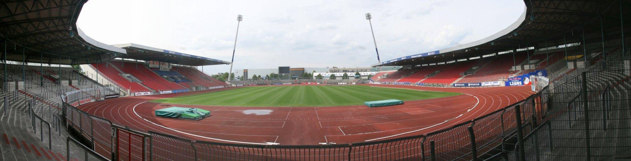 Eintracht-stadion-panorama.jpg