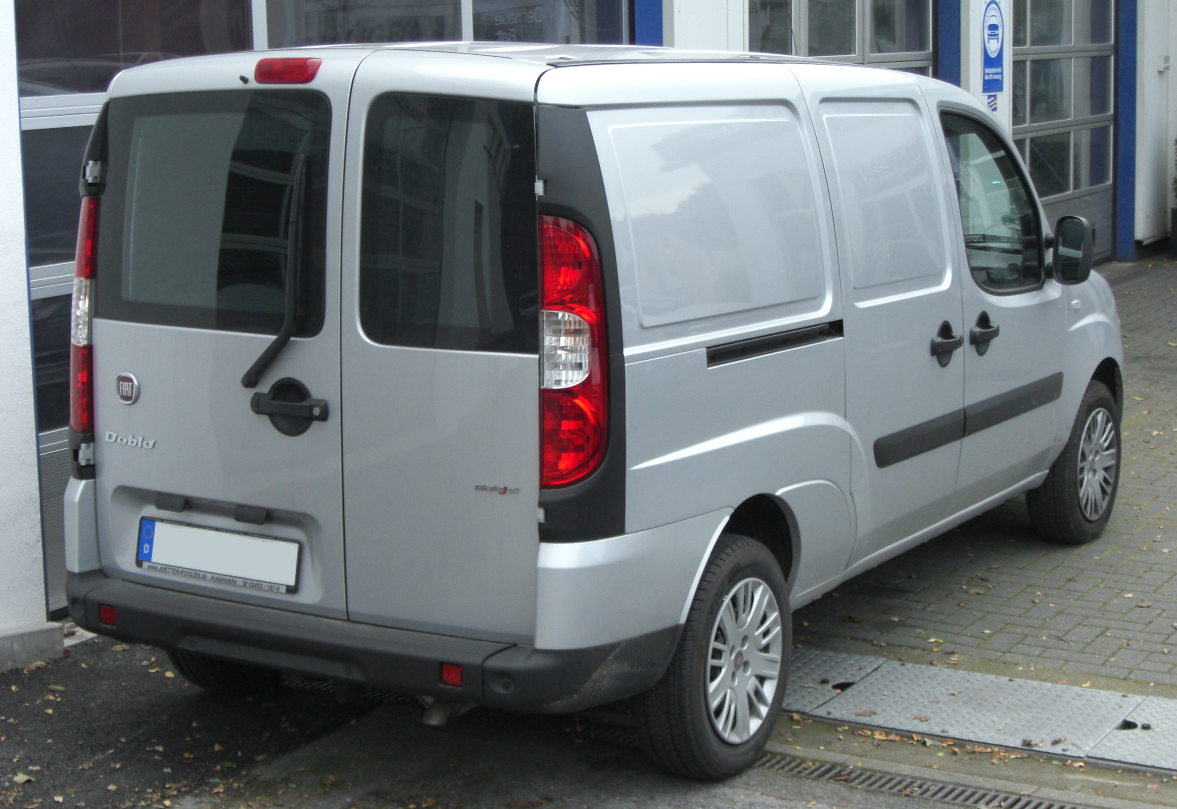 file fiat doblo cargo xxl facelift rear jpg wikimedia commons. Black Bedroom Furniture Sets. Home Design Ideas