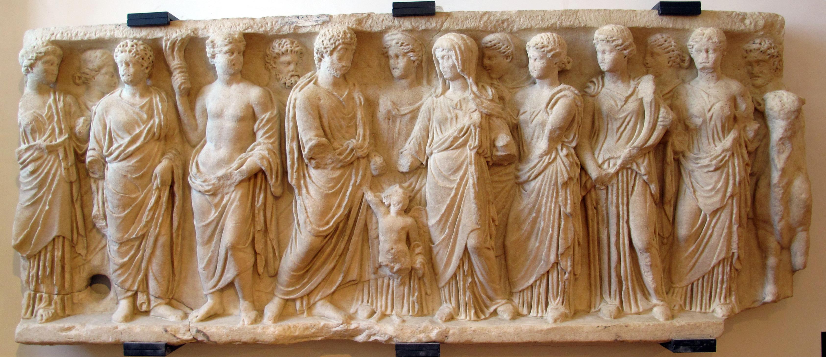 Matrimonio Romano Concepto : File frammento di sarcofago romano con scena matrimonio