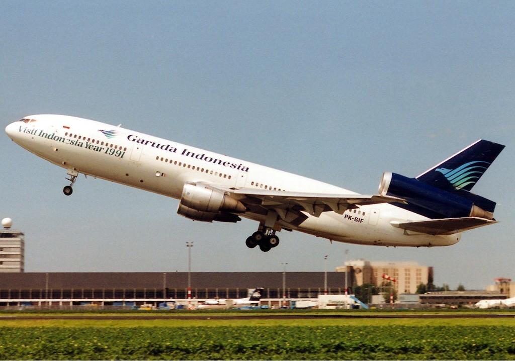 garuda indonesia flight 865
