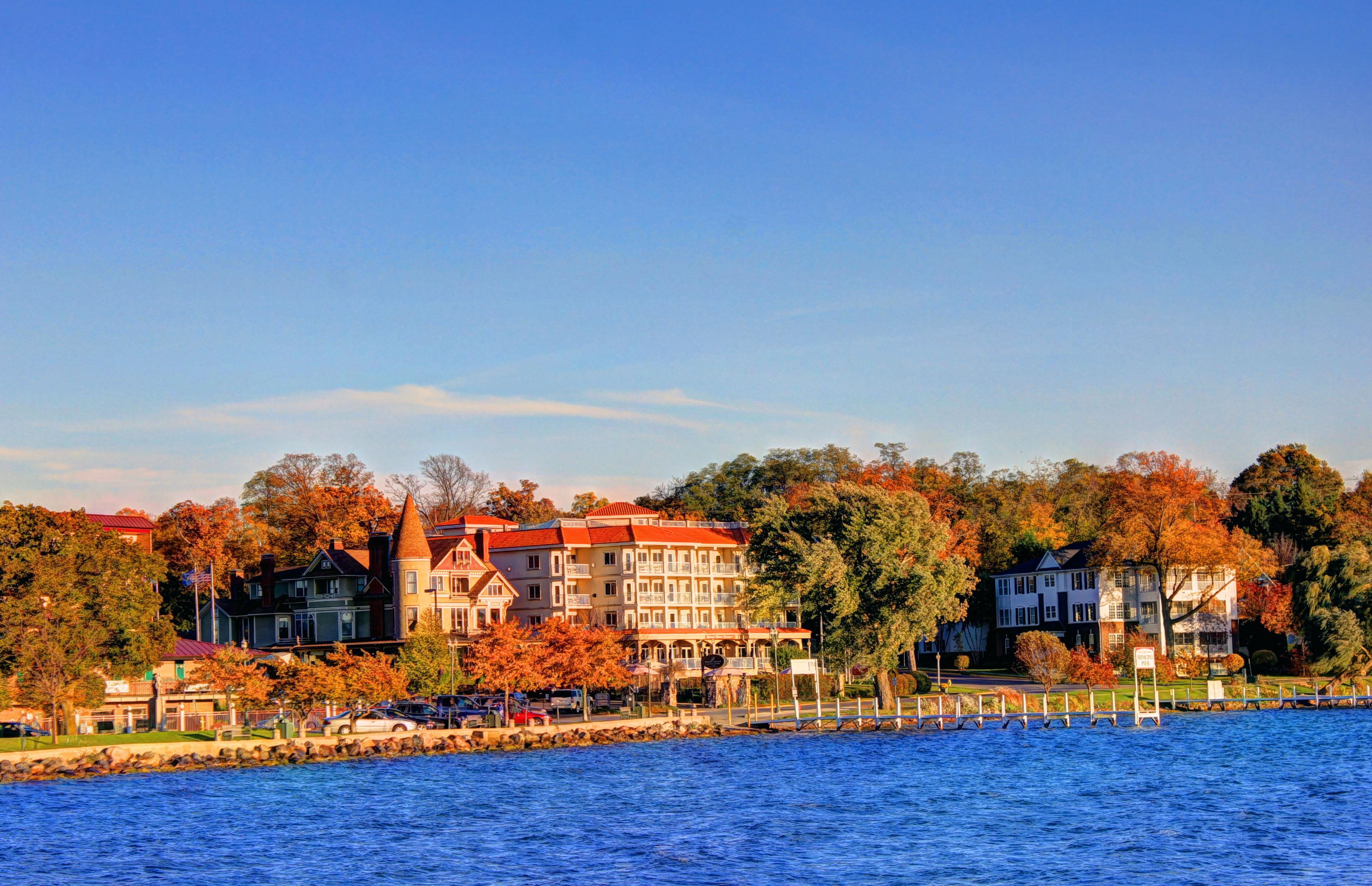 File Gfp Wisconsin Lake Geneva Hotel On The