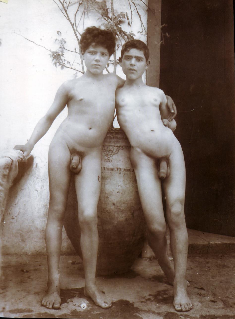 pakistani girls nude oiled