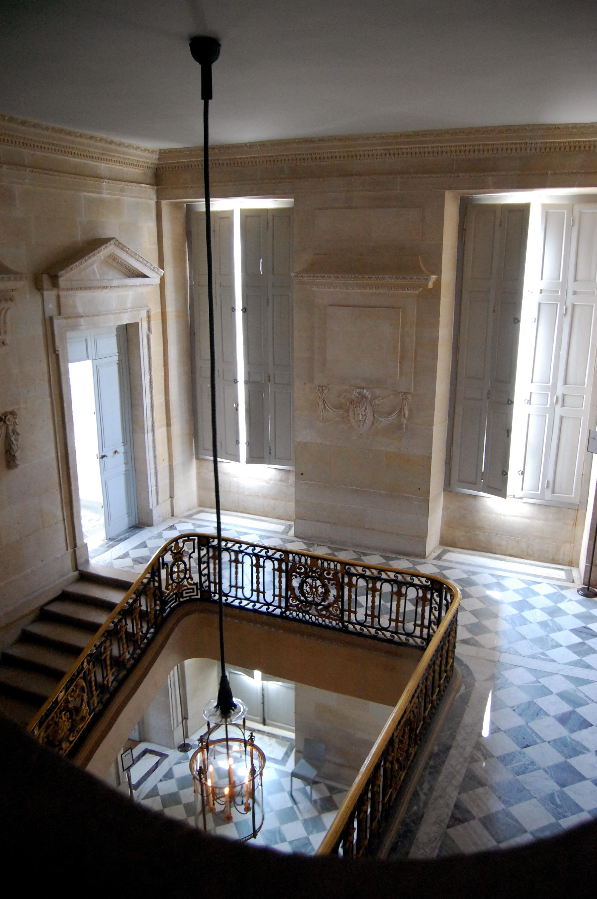 Hotel Petit Trianon Paris